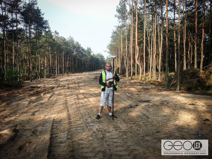 Geodezyjna obsługa inwestycji - tyczenie trasy wodociągu